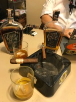 Virgil Kaine Robber Baron Rye and Ginger Bourbon with a My Father the Judge and the Exclusivo Lancero Viaje cigars